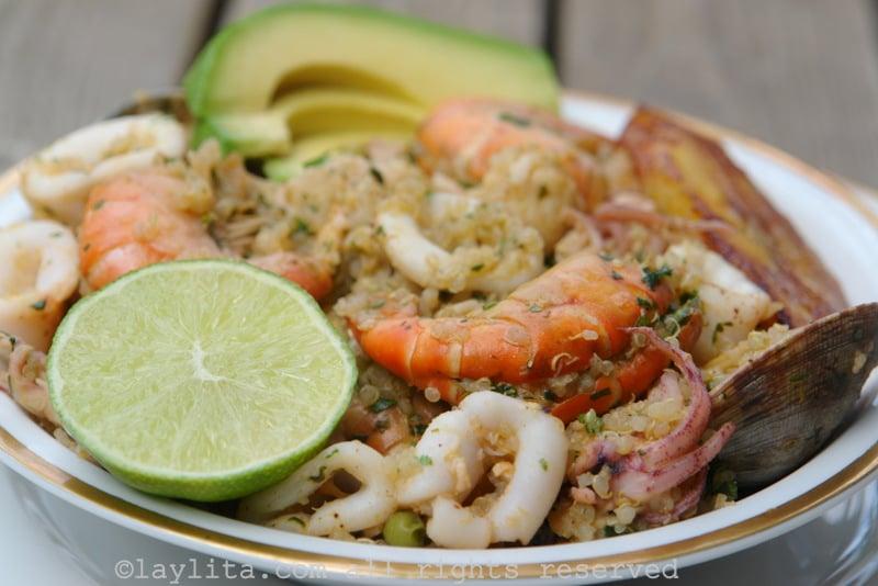 {Quinoa com frutos do mar} Paella de quinoa