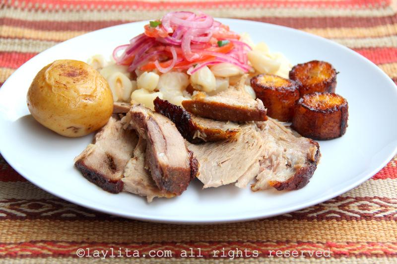 Hornado equatoriano: Porco assado