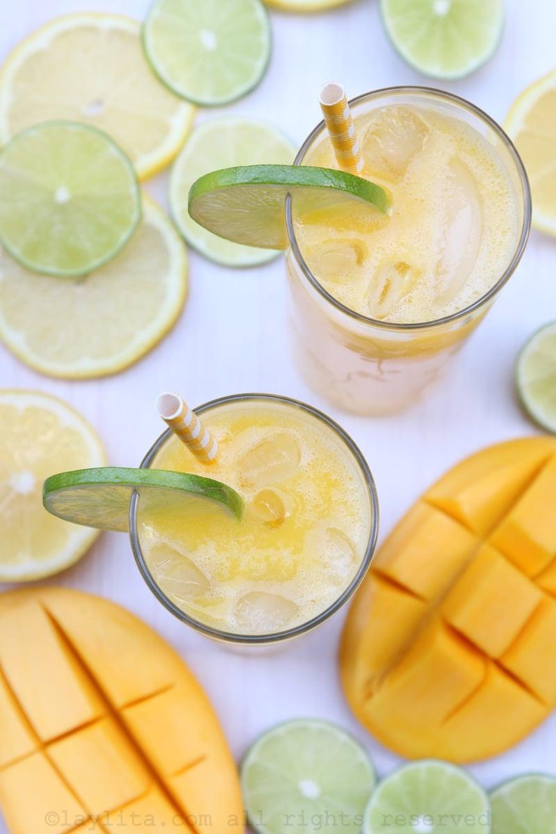 Limonada de manga com gelo