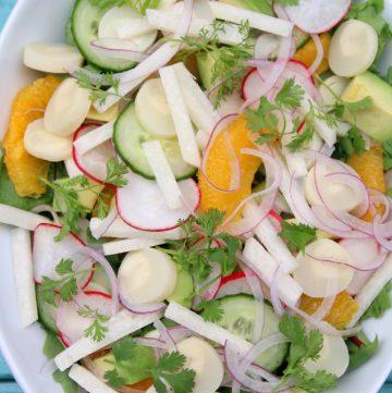 Salada refrescante com palmito