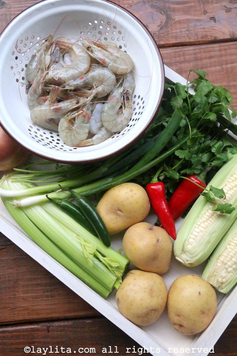 Ingredientes para o creme de milho e camarão