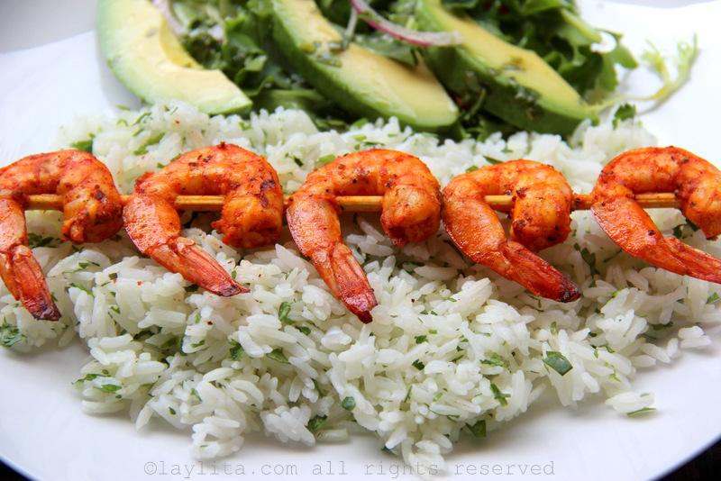 Receita fácil de arroz com coentro e limão
