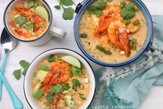 Sopa de milho e camarão