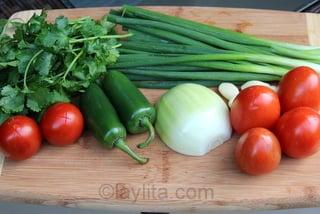 Ingredientes para el refrito o sofrito de la sopa de camaron