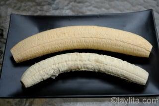 Bananas verdes e bananas-da-terra verdes