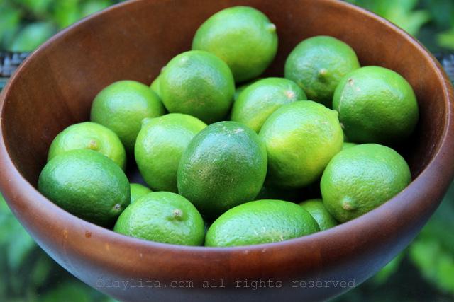Limones para la capa blanca de las paletas