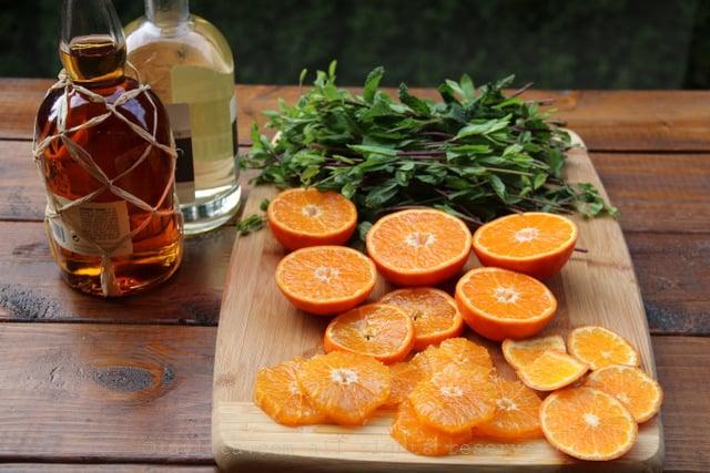 Mandarinas, menta y ron para mojitos