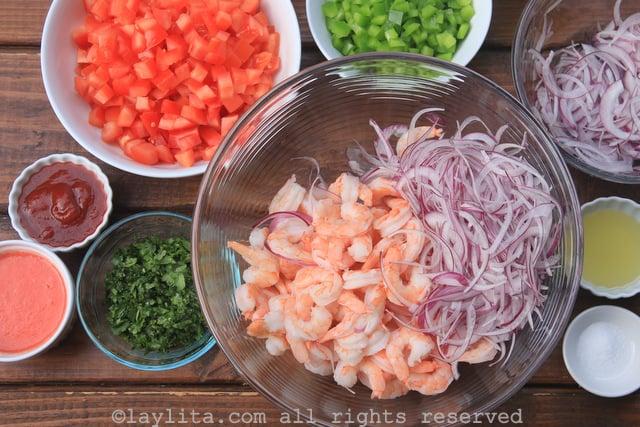 Preparación del ceviche de camarón ecuatoriano