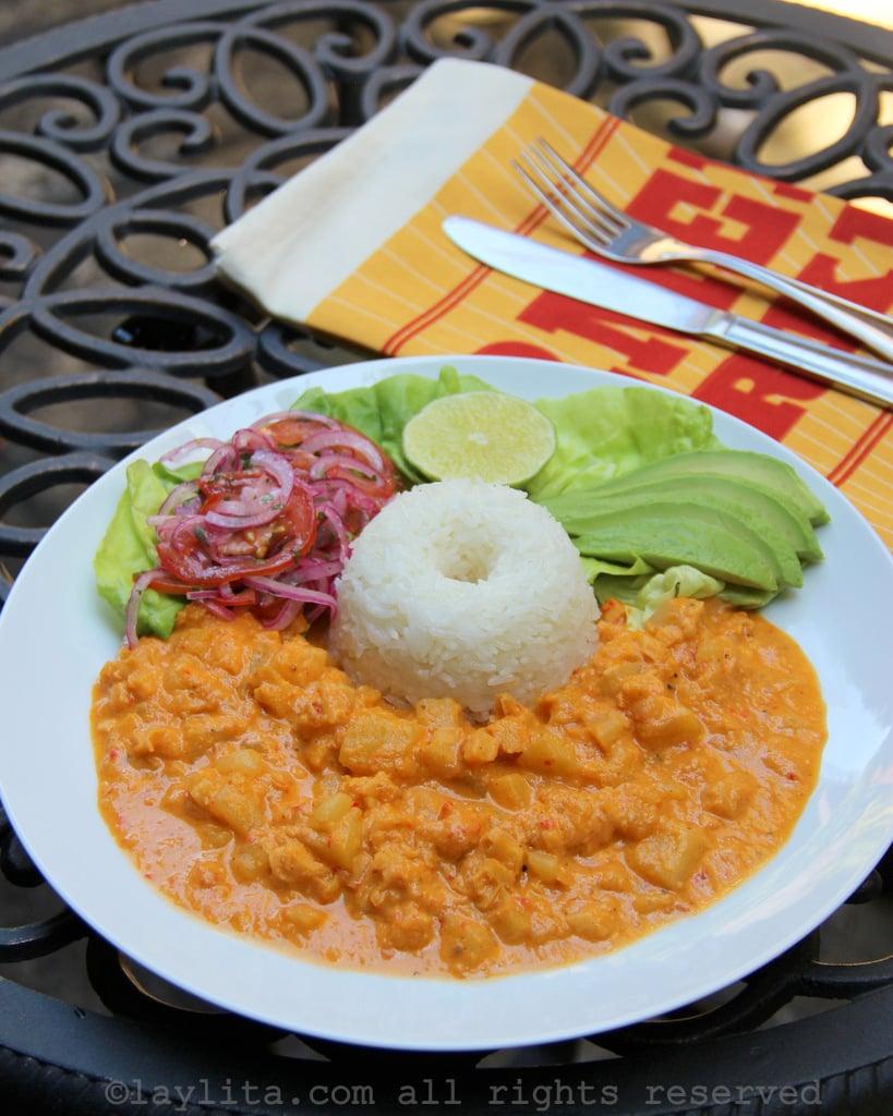 Guatita ecuatoriana - mondongo con papas en salsa de maní