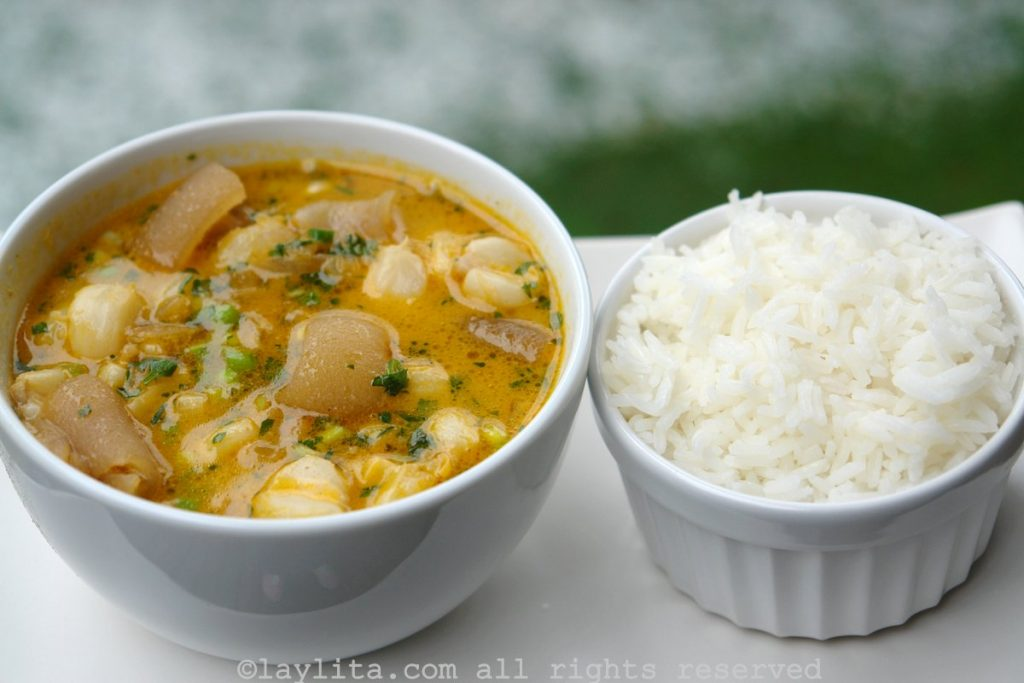 Caldo de patas con arroz