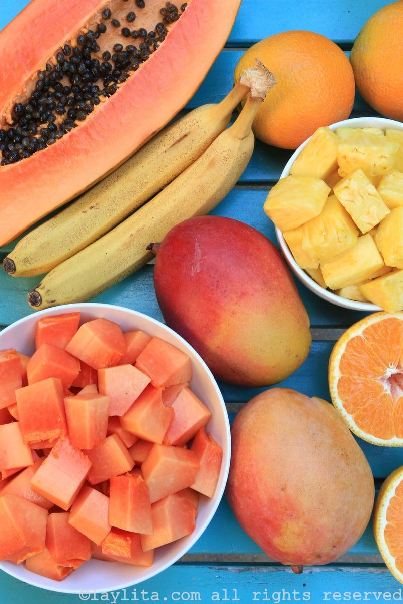 Frutas tropicales para un batido o smoothie