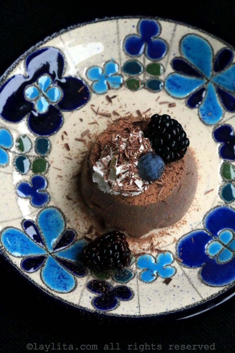 Postre cremoso de chocolate
