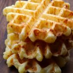 Gofres o waffles de pan de yuca