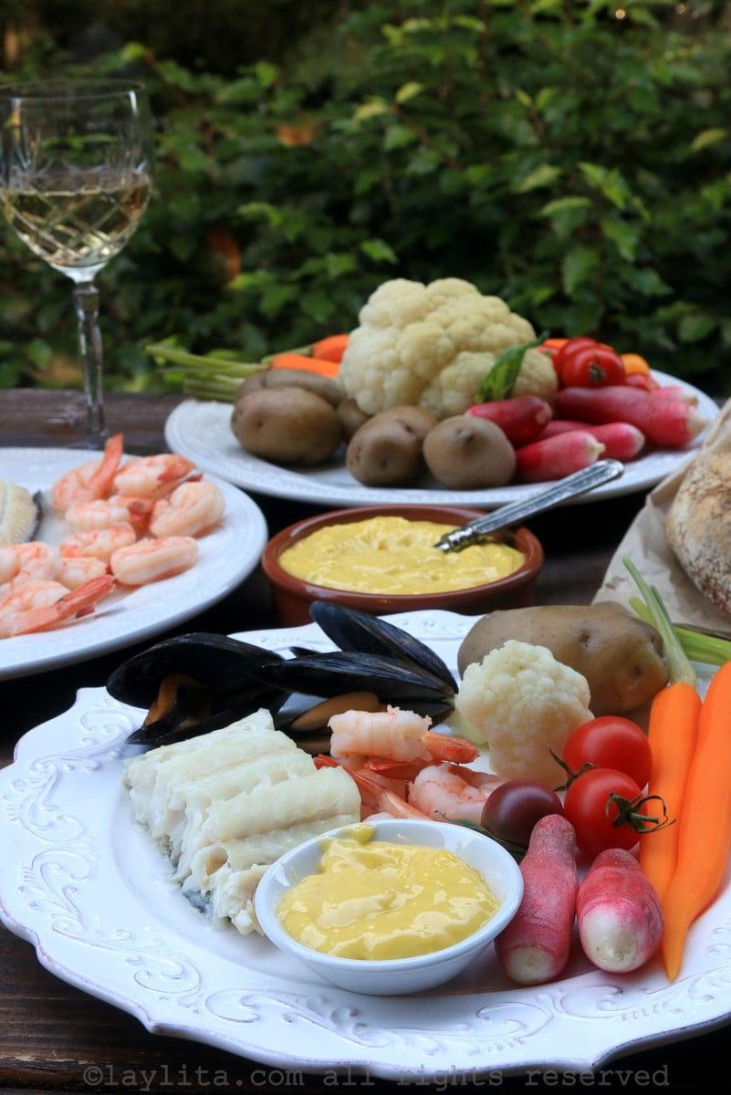 Aioli completo con pescado, mariscos y verduras