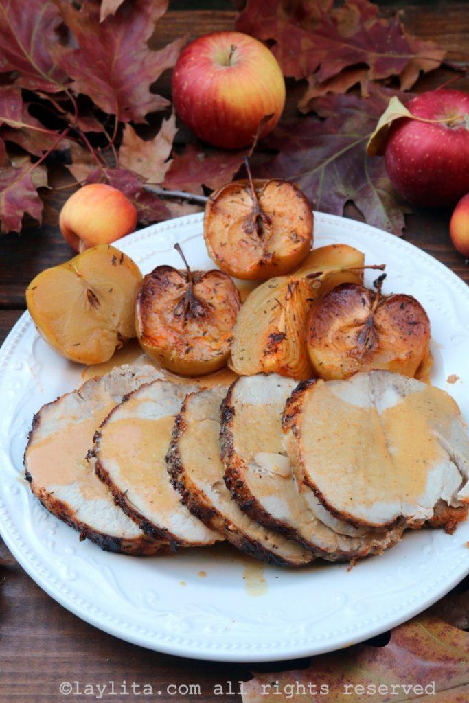 Chancho o cerdo al horno con manzanas