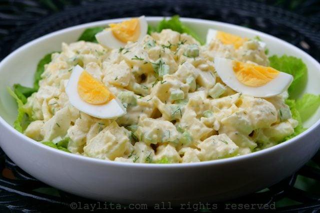 Receta de la ensalada de papas con huevo