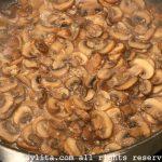 Preparación de la salsa de champiñones al ajillo para pasta