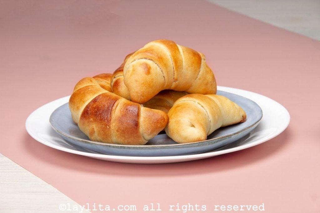 Receta de los cachitos o pan enrollado