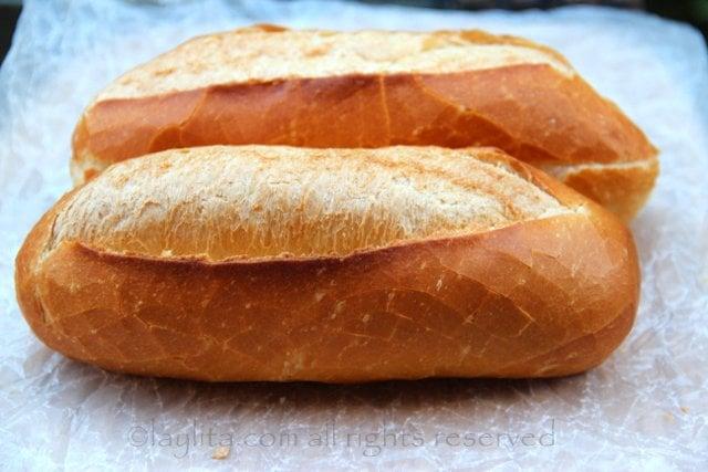 Baguette o pan  frances para el choripan
