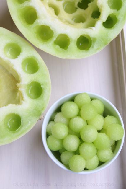 Bolitas de melon verde tipo honeydew o melon valenciano