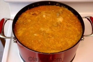 Cocine el seco de borrego a fuego lento
