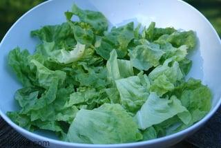 Hojas de lechuga para la ensalada