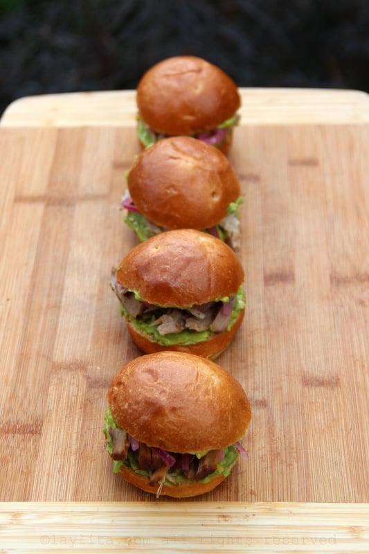 Como preparar sanduches de pernil o hornado