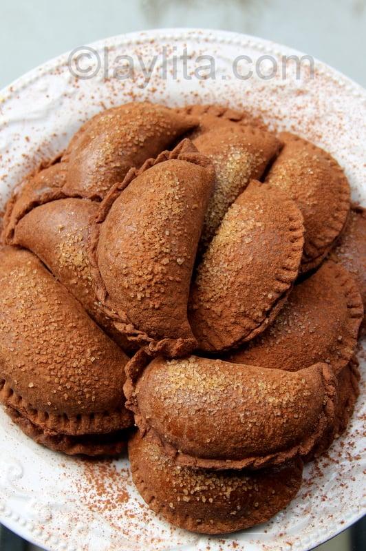 Empanadas de dulce de leche y chocolate