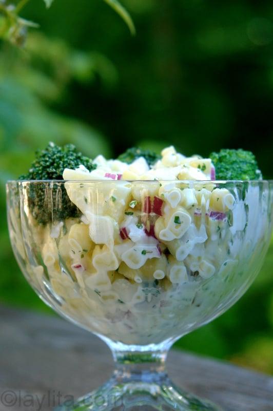 Ensalada rusa con papas, choclo y brocoli