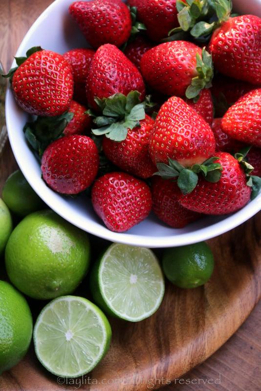 Fresas y limones para cocteles