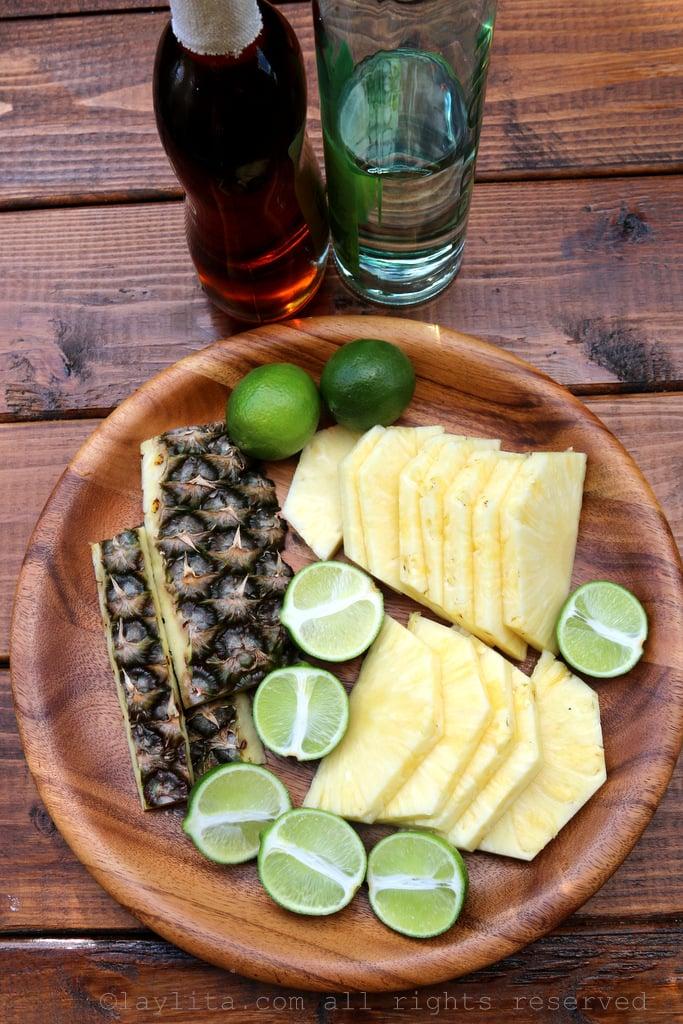 Ingredientes para caipiriñas de piña y limon