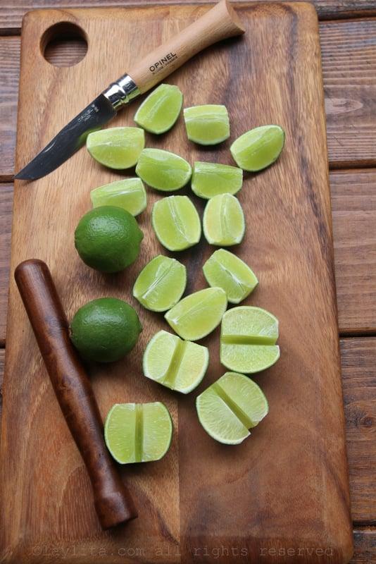 Limones cortados para caipiriñas