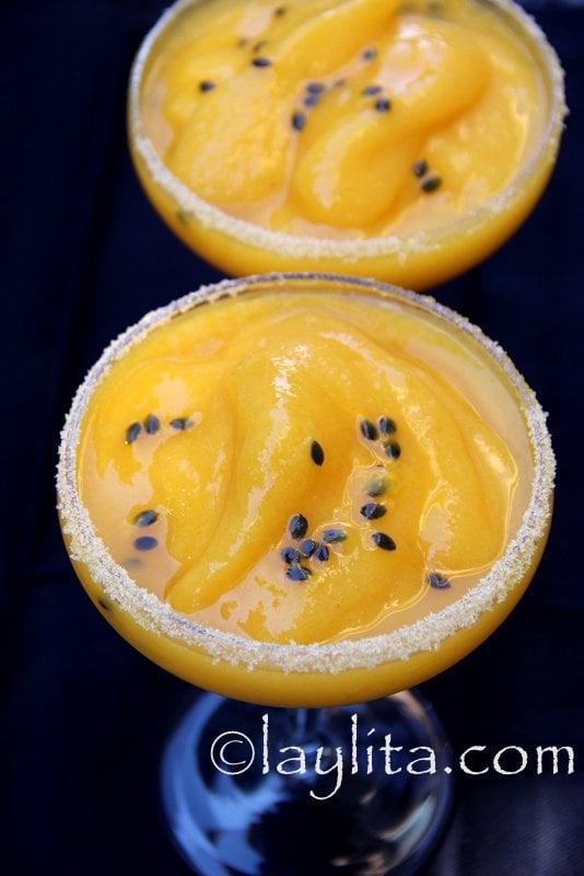 Margarita o coctel de mango y maracuya