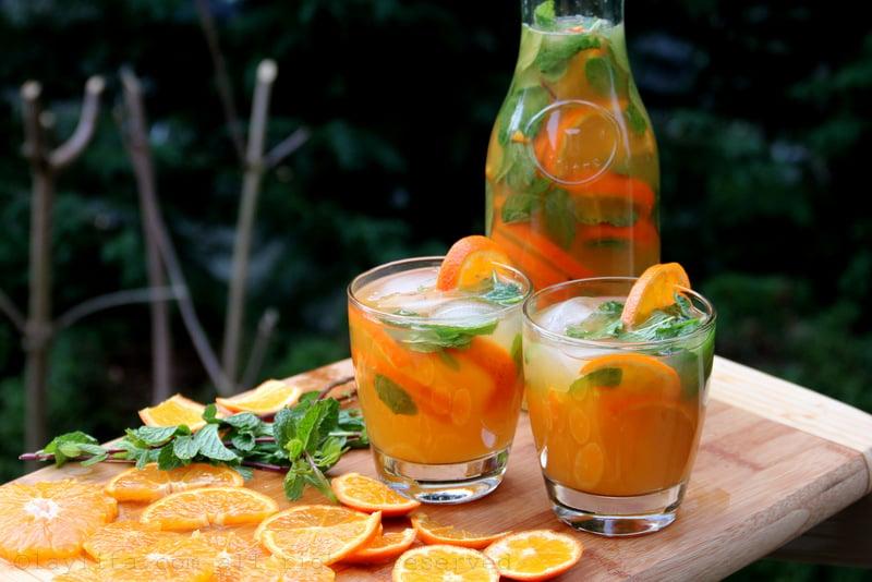 Mojitos con mandarina y menta