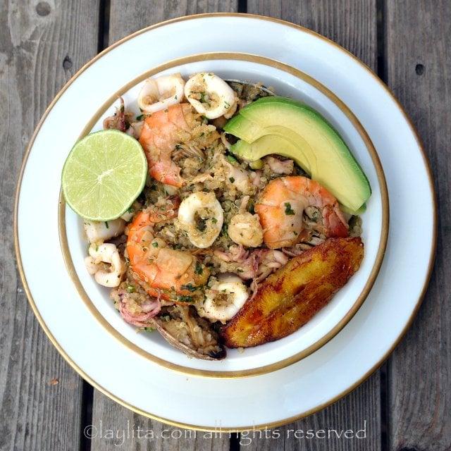 Quinua marinera o quinoa con mariscos