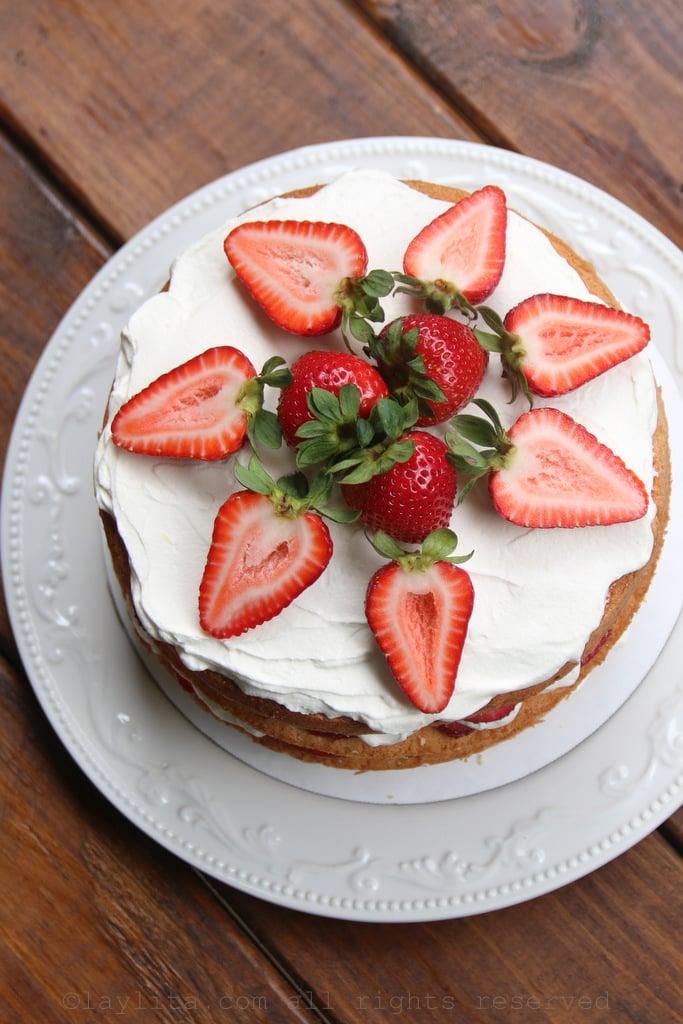 Receta facil para pastel de fresas con crema