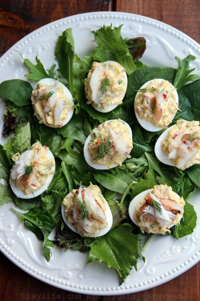 Receta para huevos rellenos o huevos endiablados con cangrejo