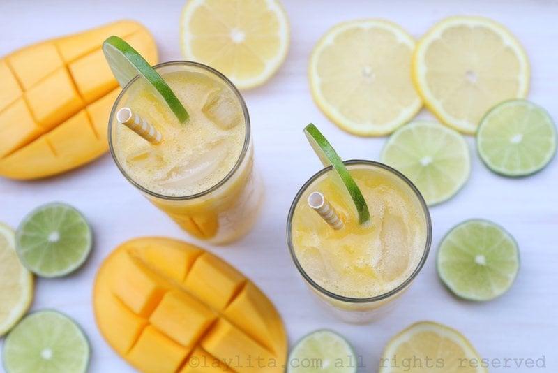 Refresco o agua fresca de mango y limon