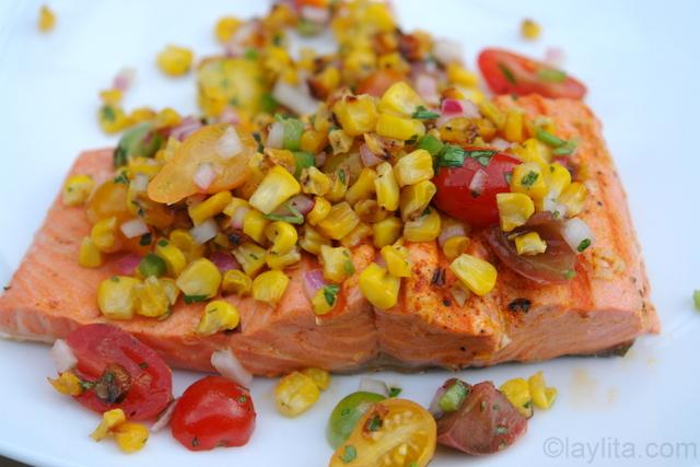 Salmon con aderezo de maiz