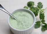 Salsa picante de yogur y cilantro