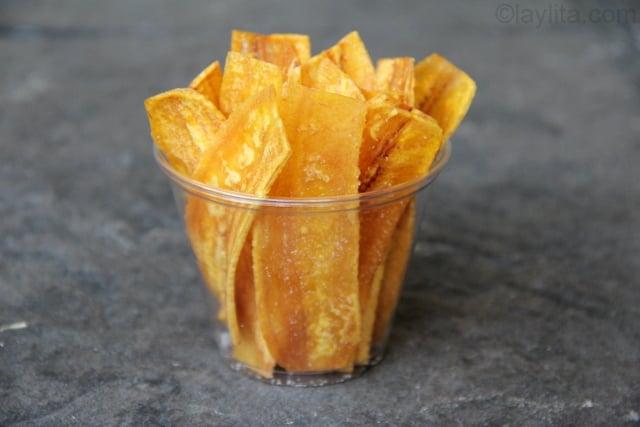 Chips bananes plantain recettes de laylita - Cuisiner banane plantain ...