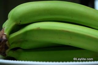 Bananes plantain vertes pour les chifles
