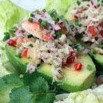 Avocats farcis de salade de crabe