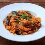 Pates spaghetti aux fruits de mer {Tallarines con mariscos}