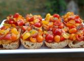 Tomates sur pain grillé