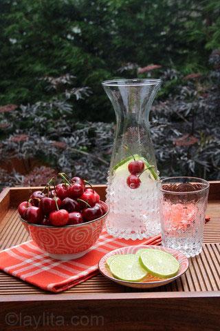 Décoration pour citronnade de cerises