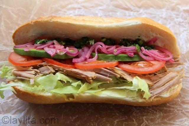 Sandwich de porc rôti