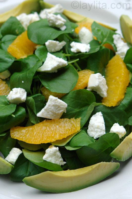 Salade de cresson aux avocats et à l'orange