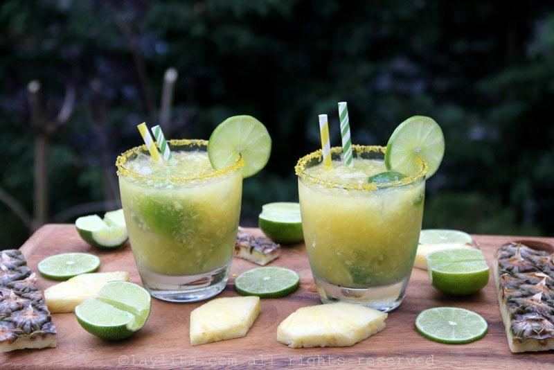 Cocktail caïpirinha (cachaça) à l'ananas