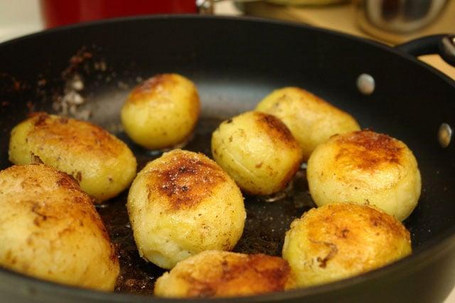Les pommes de terre saut es au beurre recettes de laylita - Pomme de terre au beurre ...